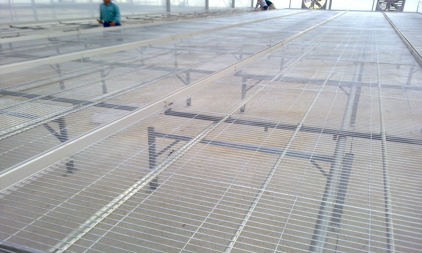 Hot-dip galvanized expended metal mesh